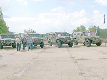 Тигры на праздновании 100-летия Военного автомобилиста. Полигон 21 НИИИ МО РФ около г. Бронницы Московской области, 29 мая 2010 года